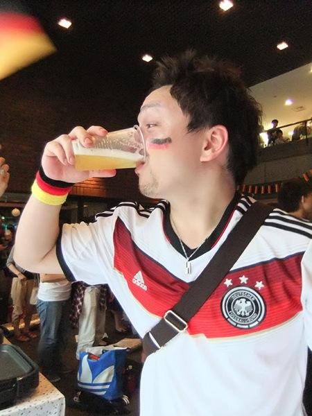 max_ezaki_beer_nakiyamu
